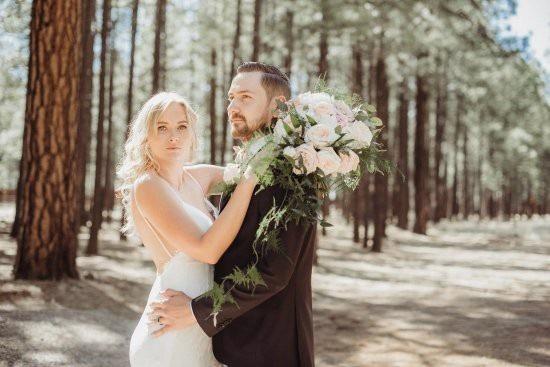 Chú rể Val Zherelyev và cô dâu Heidi học chung cùng nhau ở trường cấp 3. Sau 5 năm hẹn hò, cuối cùng vào ngày 30/6 vừa qua, hai người đã chính thức về một nhà.