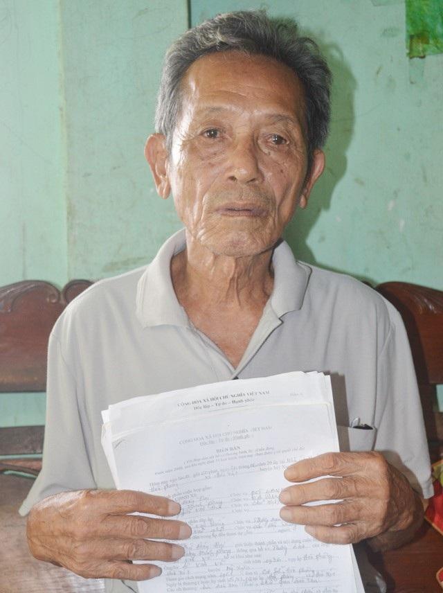 Ông Lê Minh Võ nhiều năm chờ đợi xem xét công nhận thương binh nhưng vẫn chưa được giải quyết.