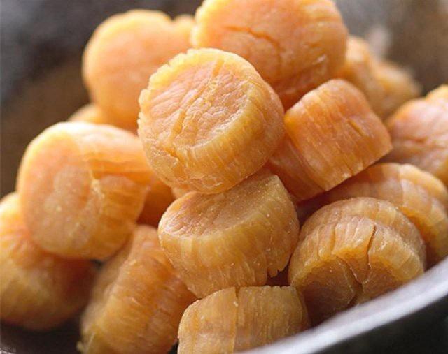 Loài sò điệp Nhật khô có giá lên tới 10 triệu đồng/kg nhưng các chủ hàng vẫn không đủ hàng để bán cho khách