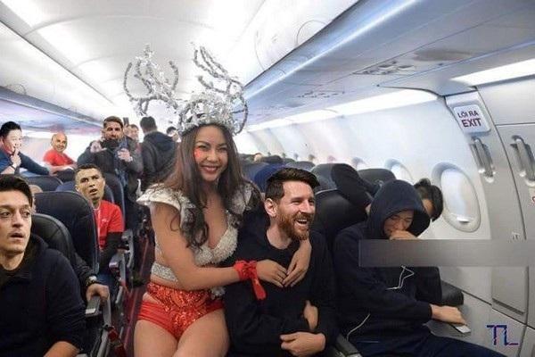 """Dù vậy Messi và Ronaldo có thể sẽ không phải buồn quá lâu với những """"người bạn đồng hành"""" trên chuyến bay trở về nước"""
