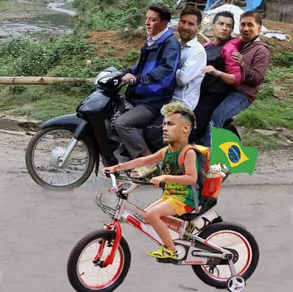 """Neymar đã chọn một con đường khác thay vì lên xe để về nước như các """"đàn anh"""""""
