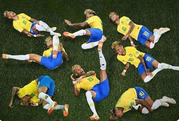 Neymar và sự đa dạng các tư thế ngã trên sân