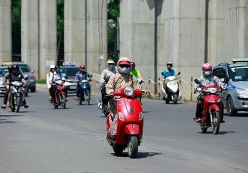 Những điều cần lưu ý khi đi xe máy dưới trời nắng nóng - 4