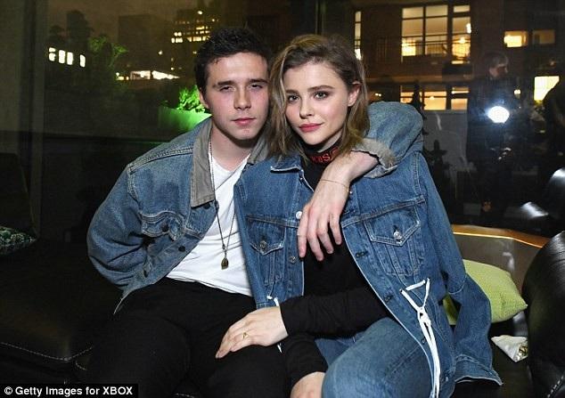 Brooklyn Beckham từng có mối tình dài 4 năm với diễn viên Chloe Grace Moretz nhưng cặp đôi đã chia tay hồi tháng 3 vừa qua.