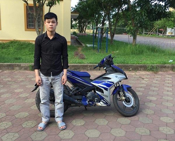 Đối tượng Thắng được di lí về Công an huyện Lộc Hà sau thời gian lẩn trốn tại TP HCM
