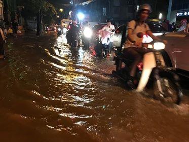 ... đường Nguyễn Huy Tưởng...