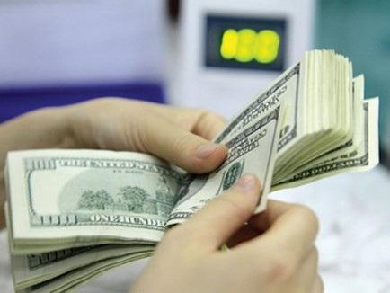 Phiên giao dịch chiều nay 31/7, tỷ giá USD/VND được ngân hàng điều chỉnh tăng trong bối cảnh tỷ giá ngoại tệ diễn biến theo xu hướng đồng USD tiếp tục neo ở mức cao