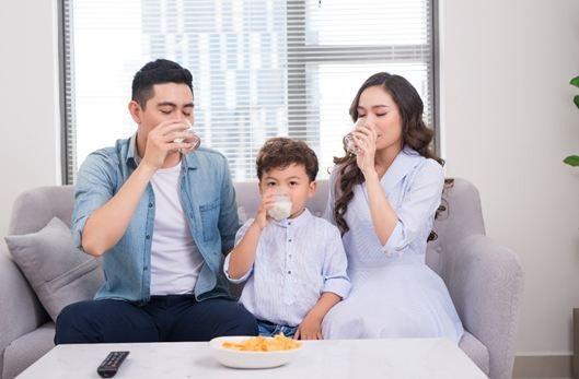 Tiêu chuẩn 4 KHÔNG là thước đo để bạn an tâm sử dụng sản phẩm sữa tươi cho người thân và gia đình mỗi ngày