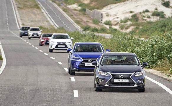 Gặp hạn với mức thuế Tiêu thụ Đặc biệt với các dòng xe dung tích hơn, giờ đây Lexus đang phải đối đầu với thách thức lớn về việc nhập khẩu xe từ Nhật Bản.