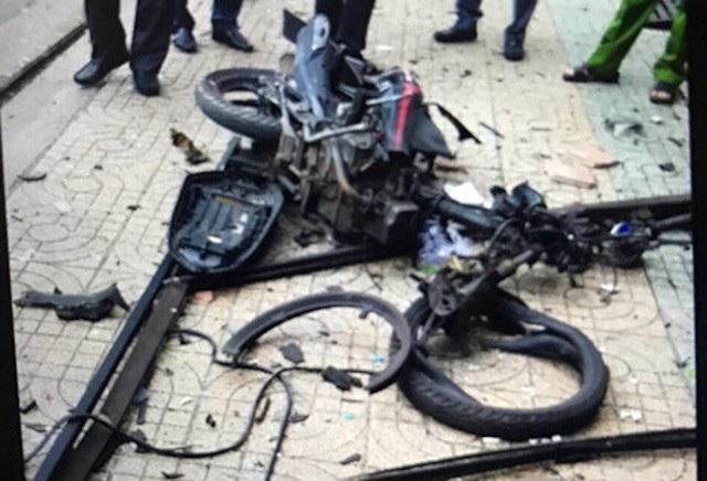 Chiếc xe máy bị hư hỏng sau vụ nổ