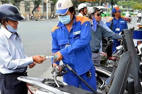 Bộ Tài chính quyết tăng thuế bảo vệ môi trường với xăng dầu (Ảnh minh hoạ).