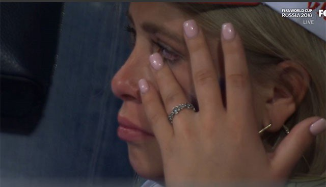 CĐV Nga đã khóc ở hiệp phụ