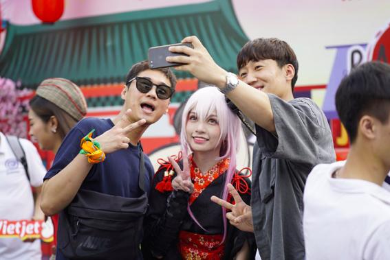Du khách Nhật Bản cũng rất hào hứng với các hoạt động hấp dẫn của Vietjet.