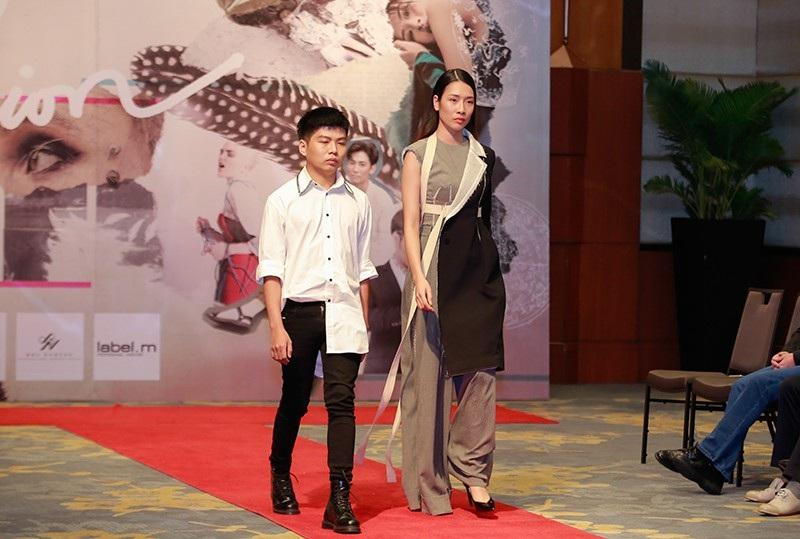 Sinh viên thiết kế thời trang thân thiện với môi trường thời 4.0 - Ảnh 11.