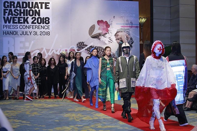 Sinh viên thiết kế thời trang thân thiện với môi trường thời 4.0 - Ảnh 1.