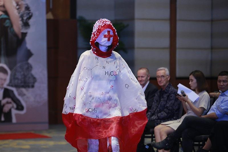 Sinh viên thiết kế thời trang thân thiện với môi trường thời 4.0 - Ảnh 7.