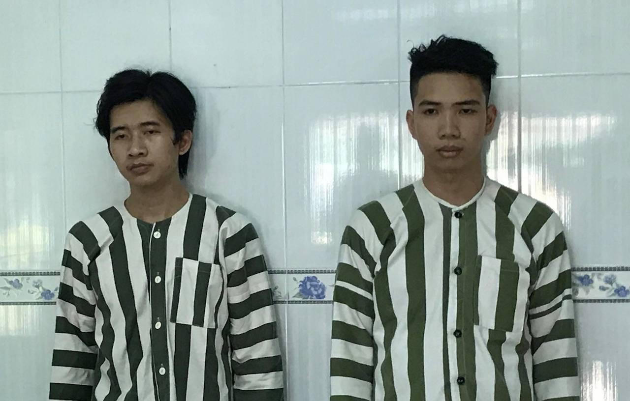 2 nghi can Nguyễn Trường Chinh và Nguyễn Trường Phi tại cơ quan công an