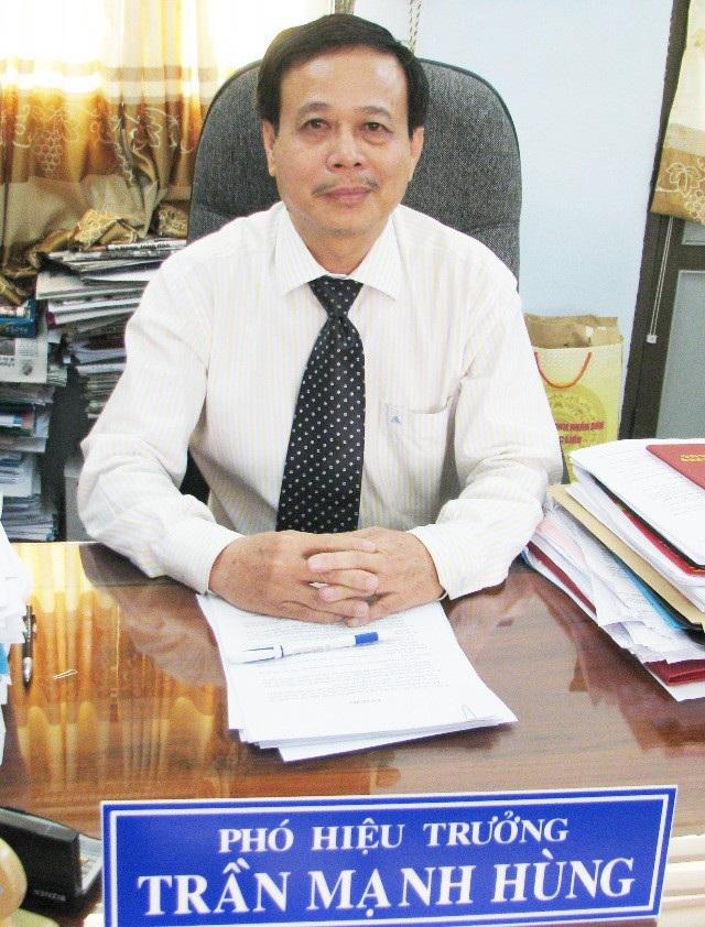 TS. Trần Mạnh Hùng - Phó Hiệu trưởng Trường ĐH Bạc Liêu.