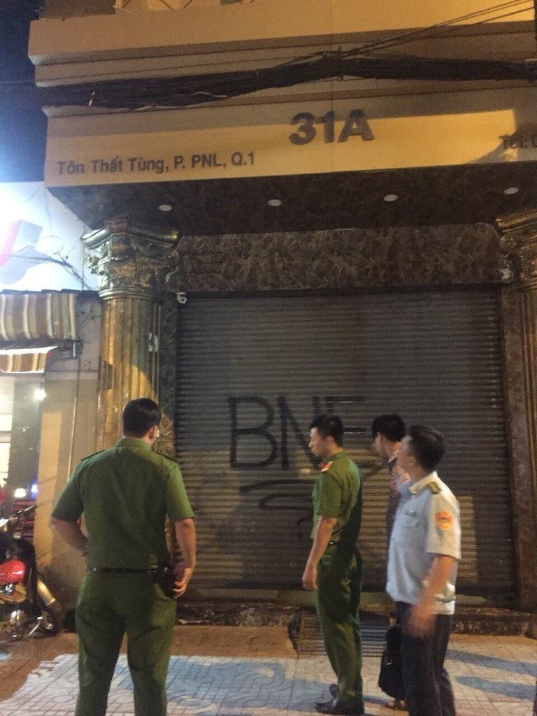 Nhà hàng đóng cửa để tránh bị kiểm tra