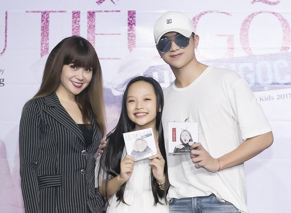 Ngày 31/7, nhạc sĩ Lưu Thiên Hương và ca sĩ Soobin Hoàng Sơn chính thức cho ra mắt album chuyên nghiệp dành cho học trò cũng là Á quân The Voice kids 2017 – Hoài Ngọc.