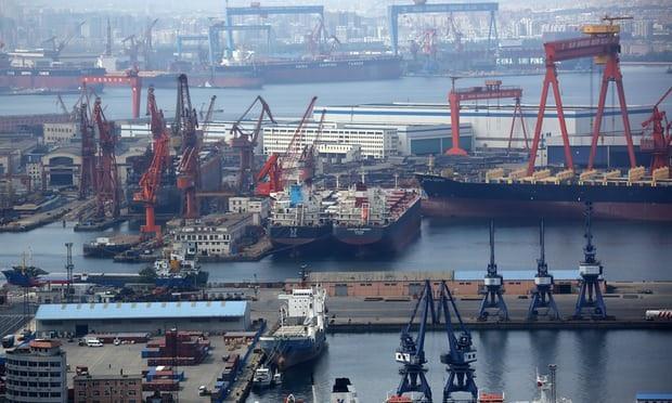 Tàu hàng Mỹ không thể cập cảng Đại Liên (Trung Quốc) vì rắc rối thuế quan. (Ảnh:Getty)