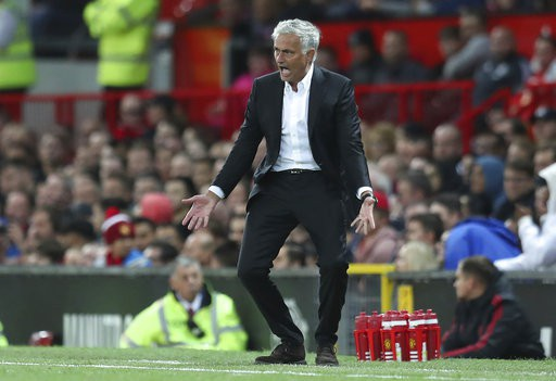 Mourinho tiếc nuối cơ hội ghi bàn bỏ lỡ của Lukaku