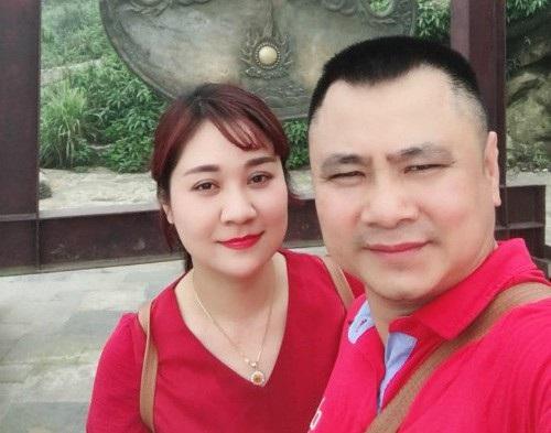 Diễn viên hài Tự Long đã chúc mừng sinh nhật vợ bằng bài thơ: Có một người phụ nữ/ Suốt cả ngày chăm con/ Chờ chồng về mỗi tối/ Đó chính là vợ tôi. (Cảm ơn hai mẹ con Táo nhé lúc nào cũng thấy mệt mỏi vì bố Táo).