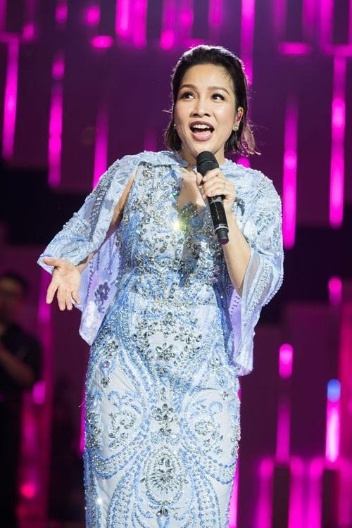 Mỹ Linh chia sẻ nhiều cảm xúc trong show diễn lớn cuối cùng trong sự nghiệp ca hát.