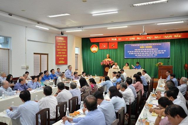 Ủy ban Mặt trận Tổ quốc Việt Nam TPHCM tổ chức hội nghị phản biện xã hội về đề án thu hút chuyên gia, nhà khoa học về thành phố làm việc giai đoạn 2018-2022 hồi đầu tháng 3