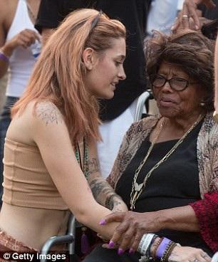 Mẹ Vua nhạc Pop Michael Jackson vẫn khá khỏe mạnh ở tuổi 88. Bà nuôi các cháu sau khi con trai đột ngột qua đời