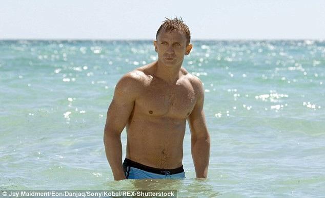 Daniel Craig trong vai Điệp viên 007