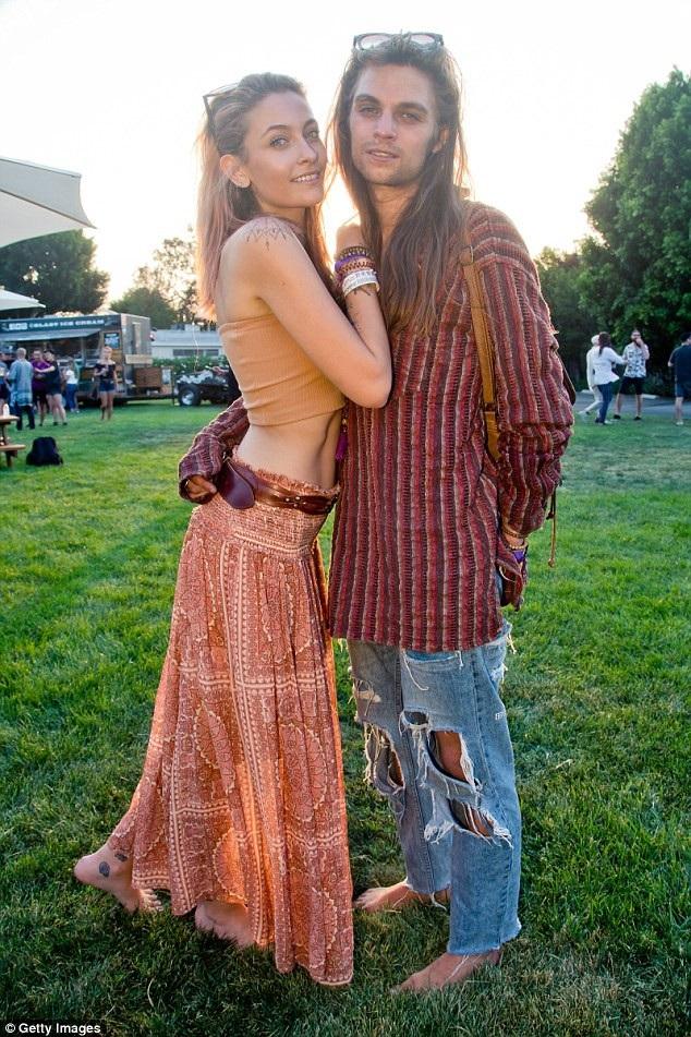 Paris Jackson hạnh phúc bên bạn trai mới Gabriel Glenn, thành viên trong ban nhạc của cô