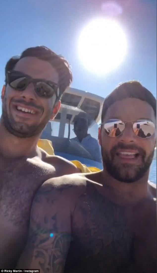 Ricky Martin và chồng Jwan Yosef hạnh phúc trong kỳ nghỉ