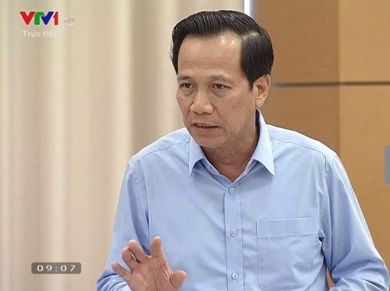 Bộ trưởng LĐ,TB&XH Đào Ngọc Dung tham gia trả lời chất vấn