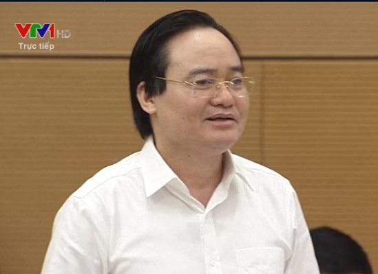 Bộ trưởng GD-ĐT Phùng Xuân Nhạ ở vị trí người chia lửa với Bộ trưởng Đỗ Văn Chiến