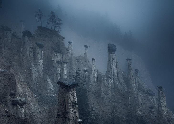 """Có một trái đất """"đa sắc thái"""" đến vậy trong cuộc thi ảnh của National Geographic! - Ảnh 11."""