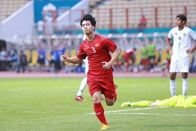 Vào sân ngay từ đầu trận, hay xuất hiện từ băng ghế bị thì Công Phượng vẫn là nhân tố quan trọng với đội tuyển Olympic Việt Nam (ảnh: Huyền Trang)