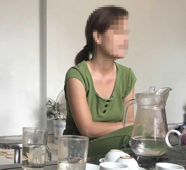 Chị Hà Thị H., chia sẻ với PV (Ảnh: Trần Thanh).
