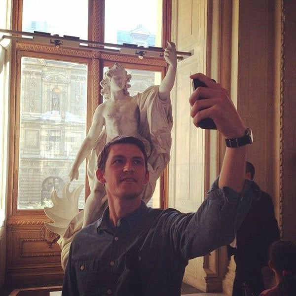 """Phải chăng khi bức tượng này được ra đời, khái niệm """"selfie"""" đã tồn tại?"""
