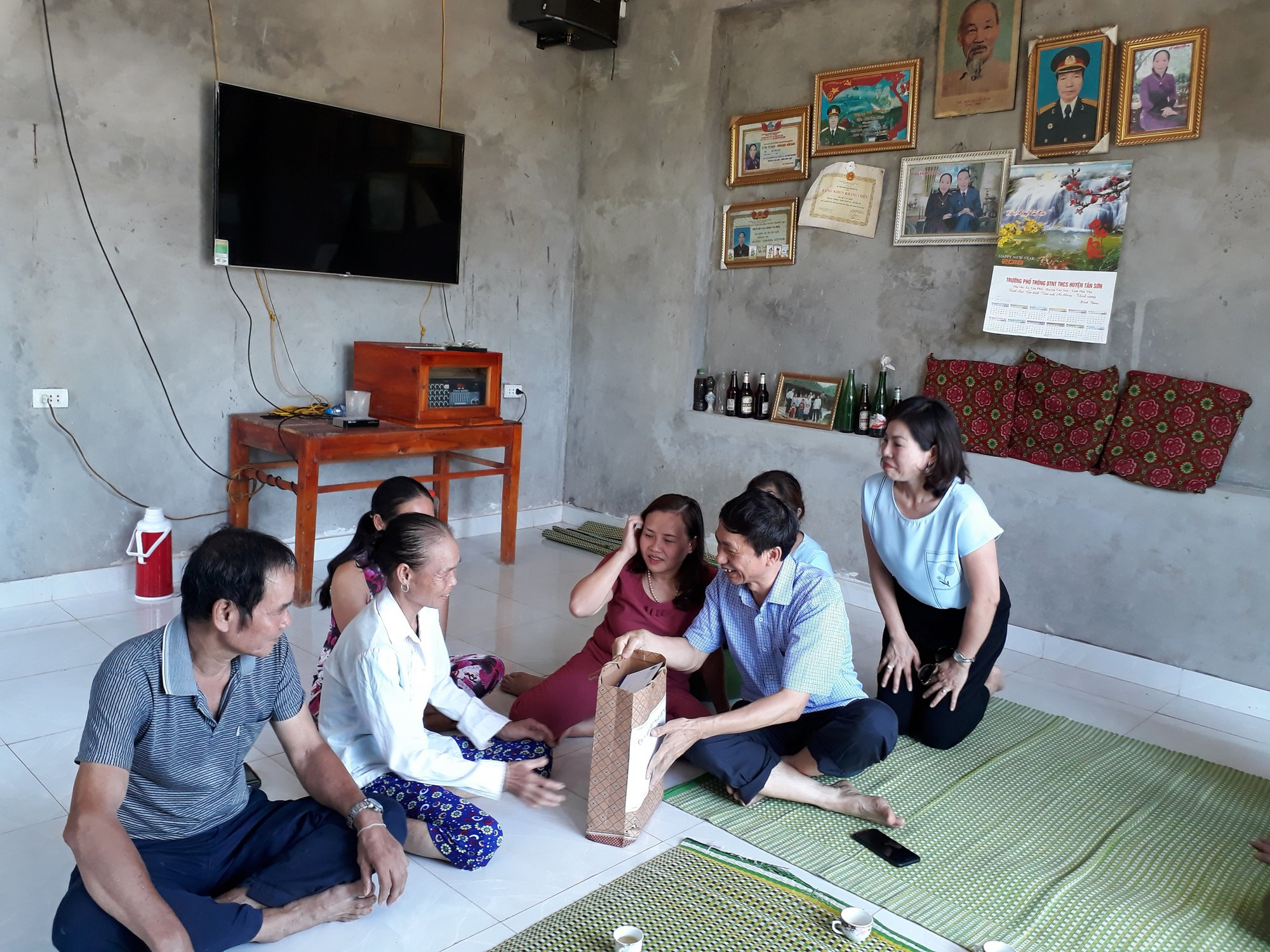 Nhiễm HIV cao gấp 2,5 lần, Phú Thọ mở rộng vùng xét nghiệm HIV miễn phí  - Ảnh 1.