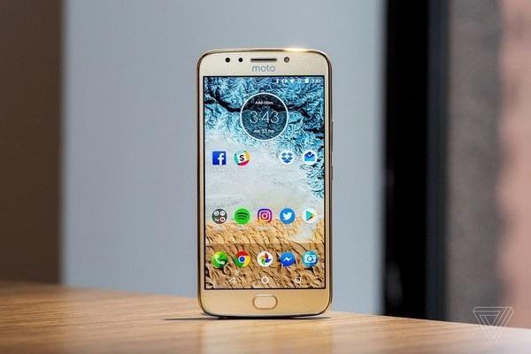 """Những smartphone pin """"trâu"""" giá mềm đáng lựa chọn nhất hiện nay - 2"""