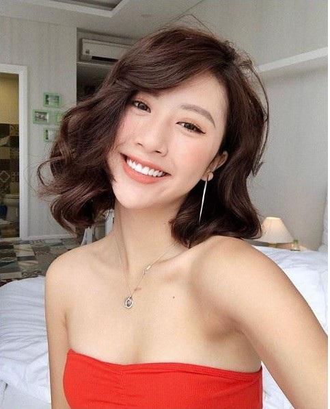 Tài khoản Instagram của Quỳnh Anh Shyn hiện đang có 1,8 triệu lượt theo dõi. Trang Facebook cá nhân của cô có 933.193 người bấm nút follow.