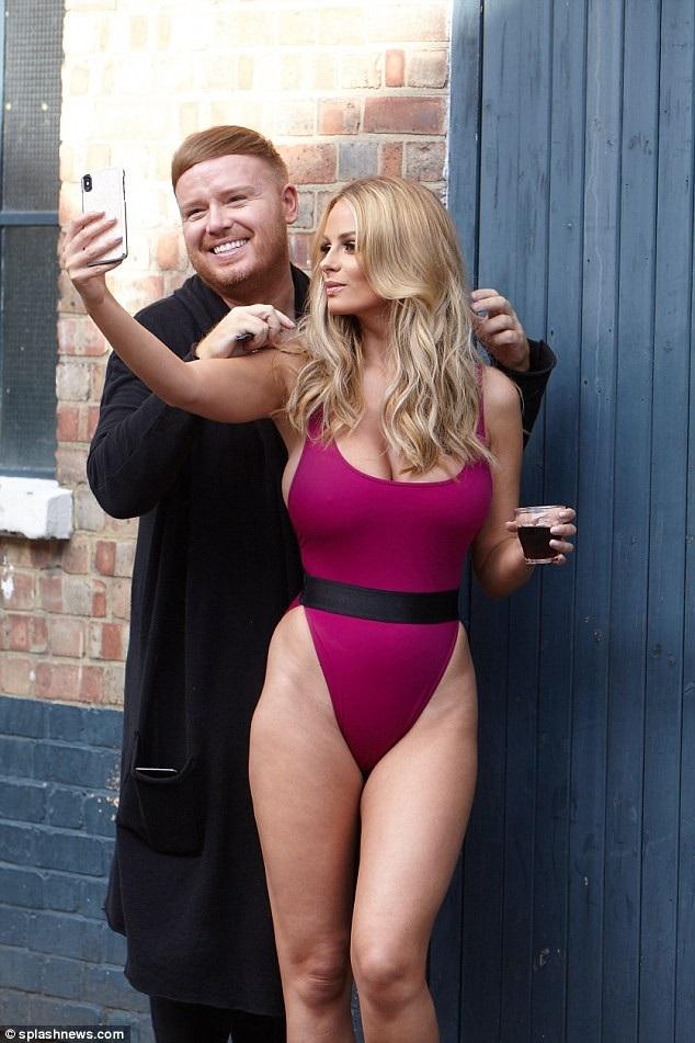 Rhian còn nổi tiếng sau khi tham gia show truyền hình ăn khách Celebrity Big Brother