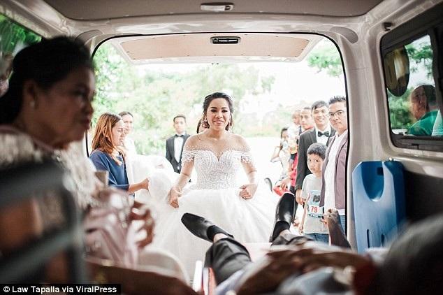 Người cha hấp hối thực hiện mong ước cuối cùng trong ngày cưới của con - 2