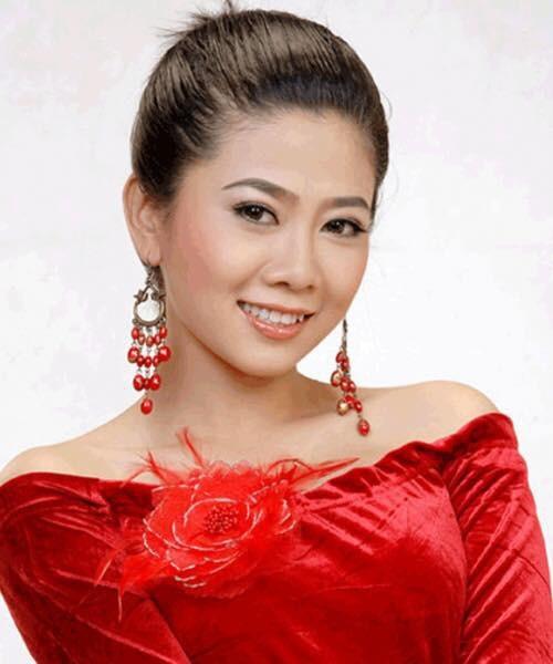 Diễn viên Mai Phương sinh năm 1985, Mai Phương được khán giả truyền hình miền Nam yêu thích qua hàng loạt vai diễn trong các phim: Những thiên thần áo trắng, Một ngày không có em, Sóng đời, Cuộc phiêu lưu của Hai Lúa...
