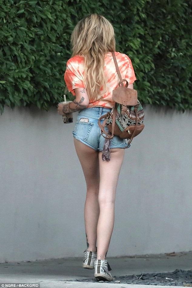Cô gái 20 tuổi hiện là người mẫu đắt show và gương mặt quen thuộc của các sự kiện tại Mỹ