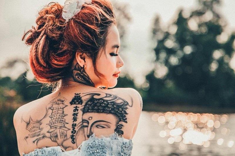 Cô gái xinh đẹp xăm kín người khoe ảnh váy cưới gây sốt mạng - 5