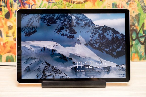 Lần đầu tiên Samsung mang phụ kiện DeX lên máy tính bảng