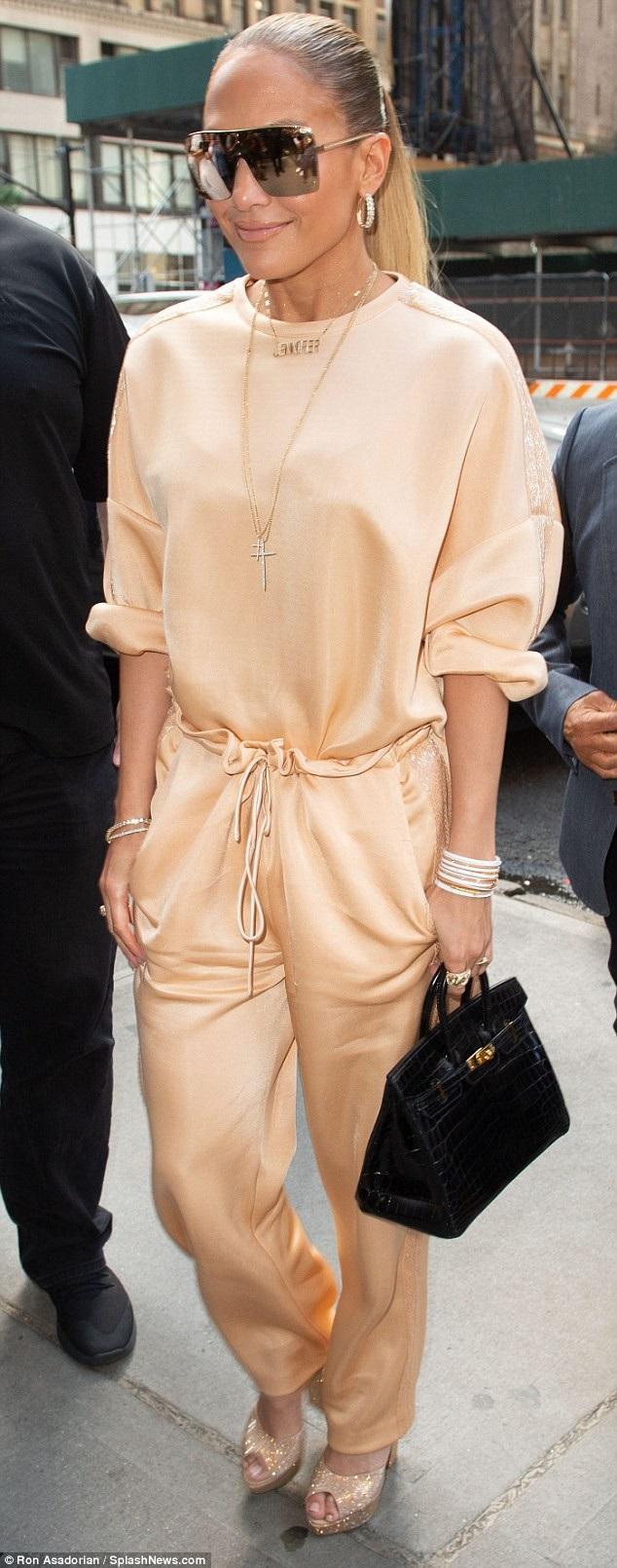 Kênh MTV vừa thông báo J.Lo sẽ nhận1 giải thưởng đặc biệt tại lễ trao giải MTV Video Music Awards diễn ra trong vài tuần tới