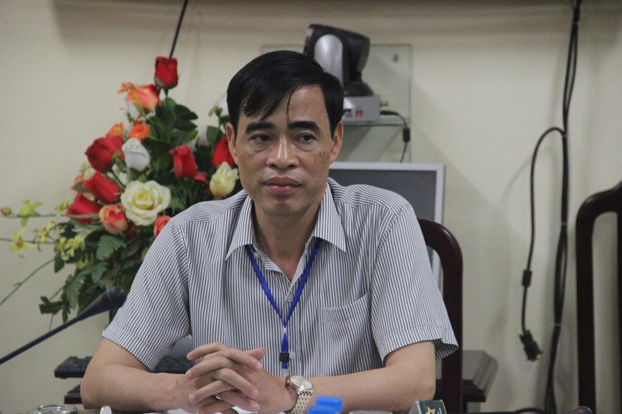 Ông Nguyễn Đức Lương, Phó Giám đốc Sở GD&ĐT Hòa Bình xác nhận, có dấu hiệu bất thường khi chấm thi trắc nghiệm kì thi THPT quốc gia 2018 tại đây. (Ảnh: H. Lam).